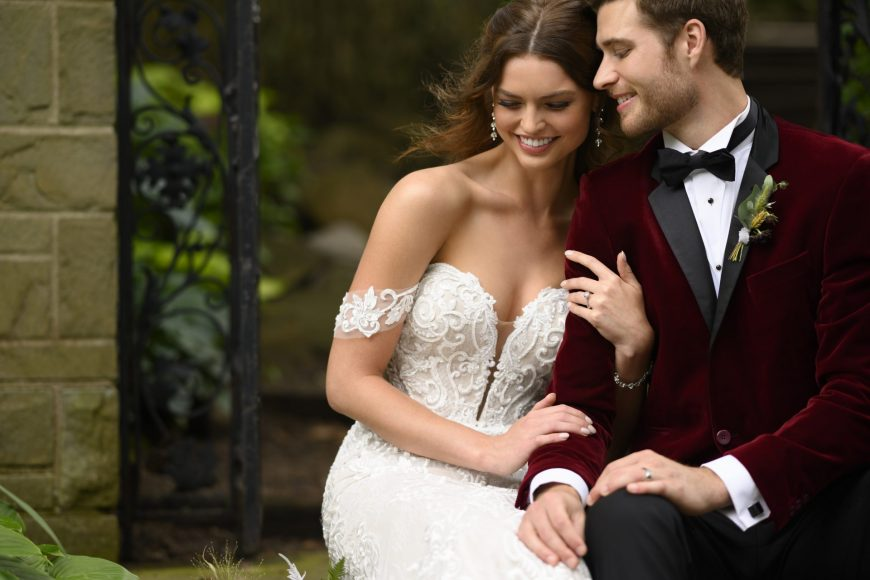 Taryn Wedding Dress Fit-and-Flare Plunge Sweetheart Neckline Off-the-Shoulder Tuscany Bridal D2988 Essense of Australia