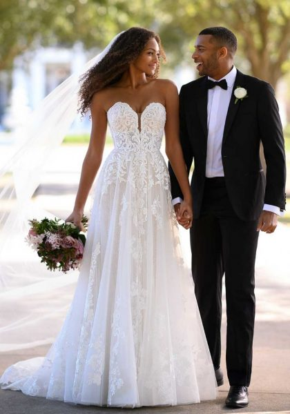 A-Line Plunging Sweetheart neckline Sparkle Lace Glamour Elegant Wedding Dress ML1228 Martina Liana Tuscany Bridal