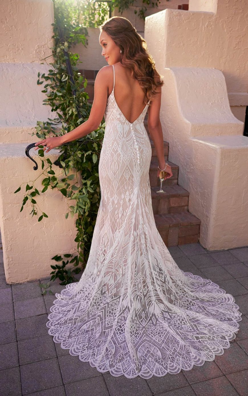 Billie Wedding Gown Fit-and-Flare Simple Art-Deco Scooped Neckline Low V-back Lace Tuscany Bridal Stella York SY7130
