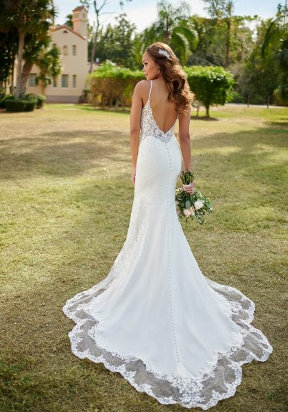 Fit-and-Flare Wedding Dress Sexy V-Neckline Open V-back Thin straps Lace Stella York 7118 Tuscany Bridal