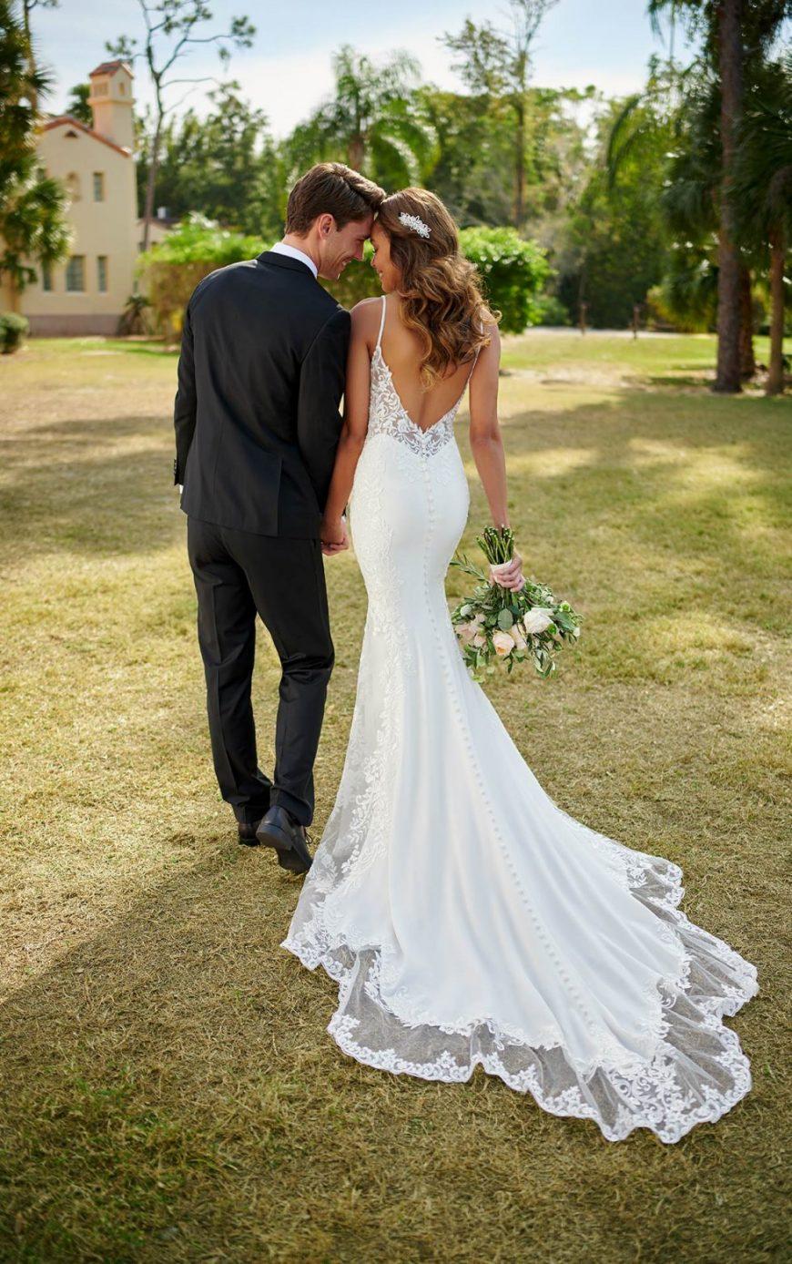 Fit-and-Flare Wedding Dress Sexy V-Neckline Open V-back Thin straps Lace Stella York 7118 Tuscany Bridal